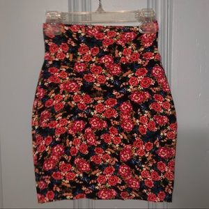 Dresses & Skirts - Size XS - Floral Bandage Skirt